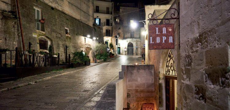 la-lopa-ristorante-pub-aperitivi-stuzzicheria-wine bar-happy-hour-sassi-di-matera-basilicata (13)