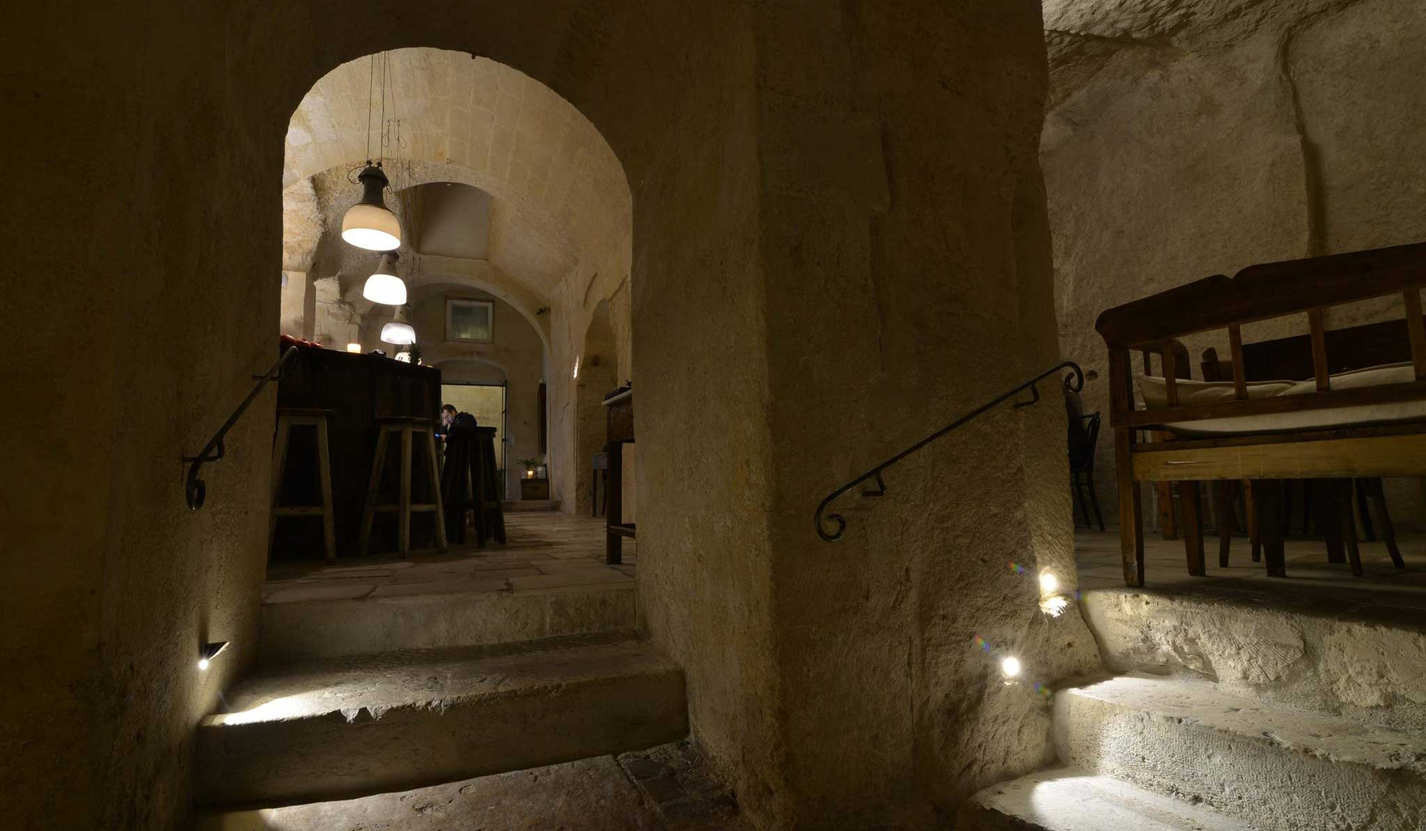 la-lopa-ristorante-pub-aperitivi-stuzzicheria-wine bar-happy-hour-sassi-di-matera-basilicata (18)
