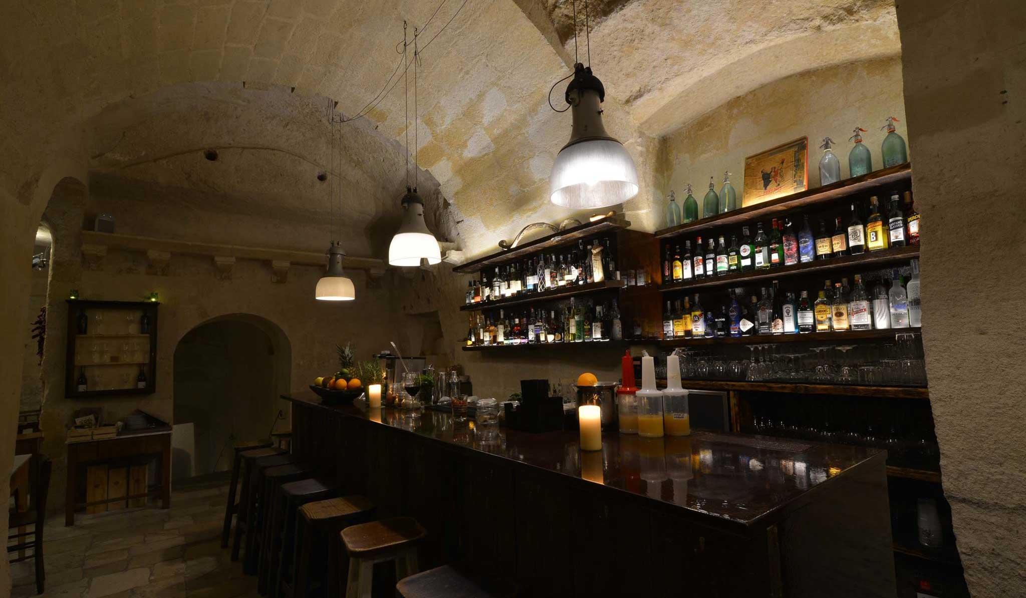 la-lopa-ristorante-pub-aperitivi-stuzzicheria-wine bar-happy-hour-sassi-di-matera-basilicata (2)