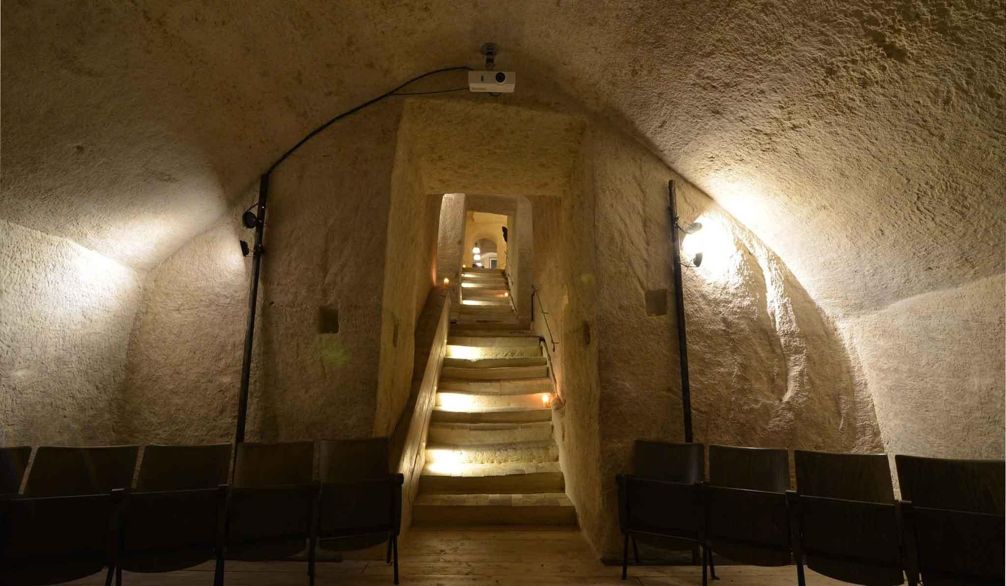 la-lopa-ristorante-pub-aperitivi-stuzzicheria-wine bar-happy-hour-sassi-di-matera-basilicata (25)