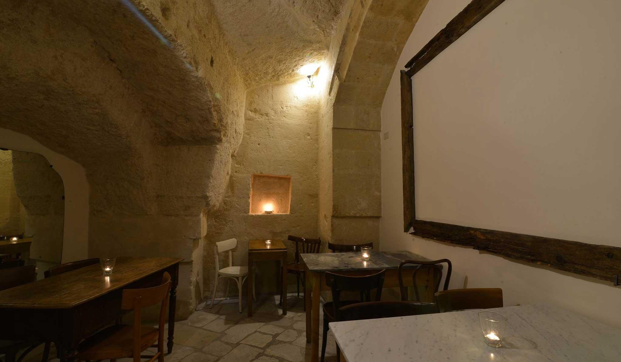 la-lopa-ristorante-pub-aperitivi-stuzzicheria-wine bar-happy-hour-sassi-di-matera-basilicata (28)