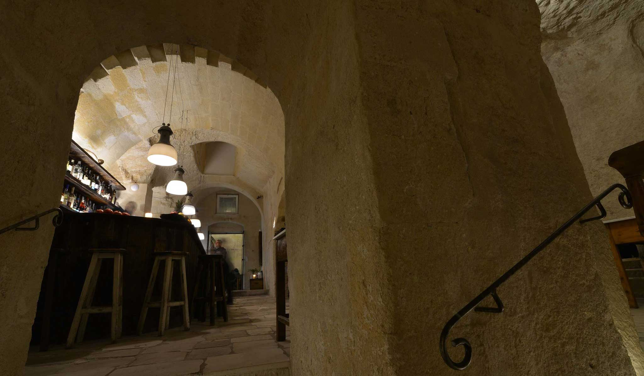 la-lopa-ristorante-pub-aperitivi-stuzzicheria-wine bar-happy-hour-sassi-di-matera-basilicata (6)