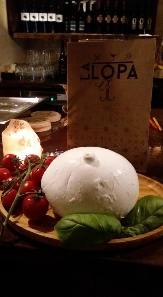 la-lopa-ristorante-pub-aperitivi-stuzzicheria-wine bar-happy-hour-sassi-di-matera-basilicata (9)