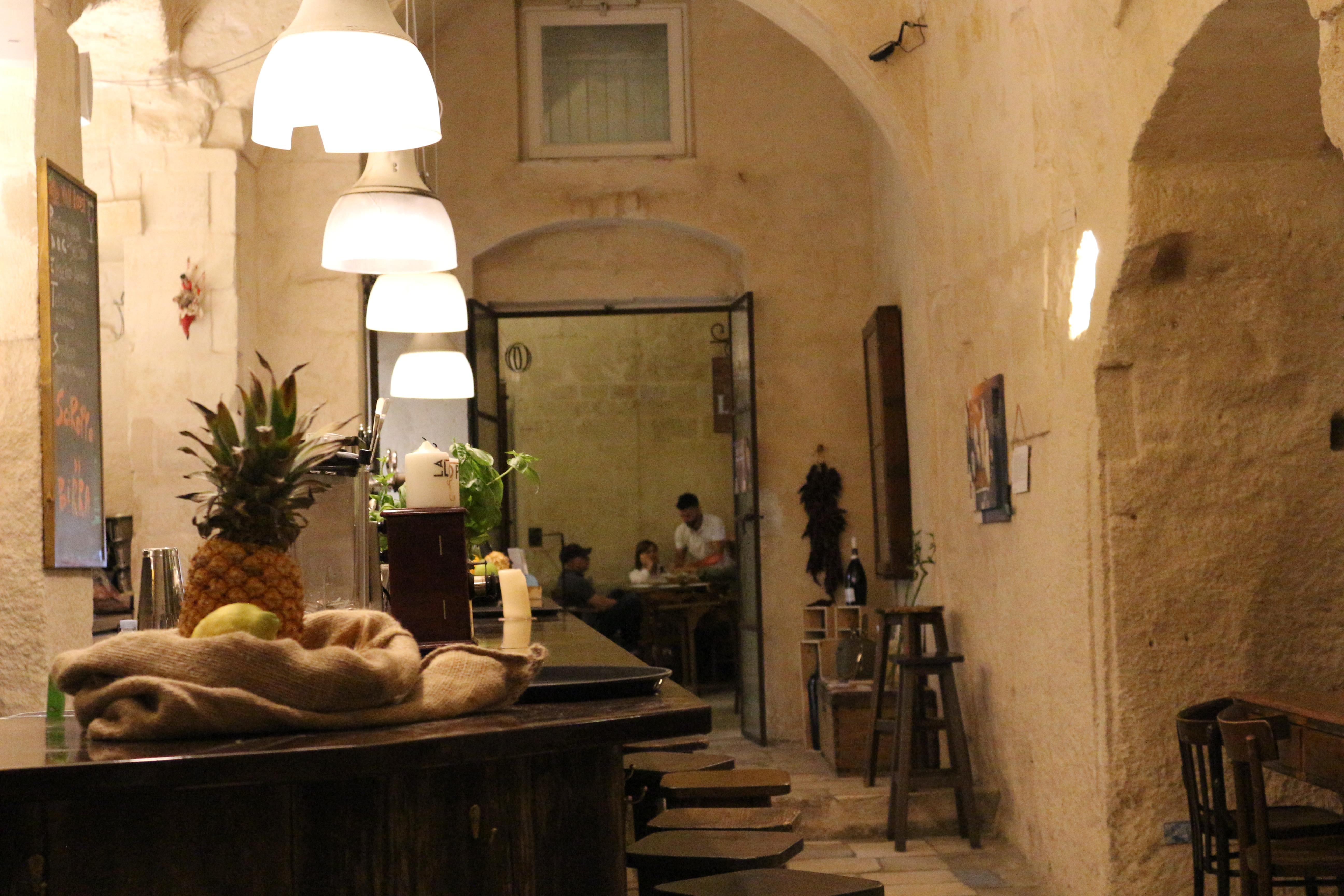 la-lopa-ristorante-pub-aperitivi-stuzzicheria-wine-bar-happy-hour-sassi-di-matera-basilicata3211