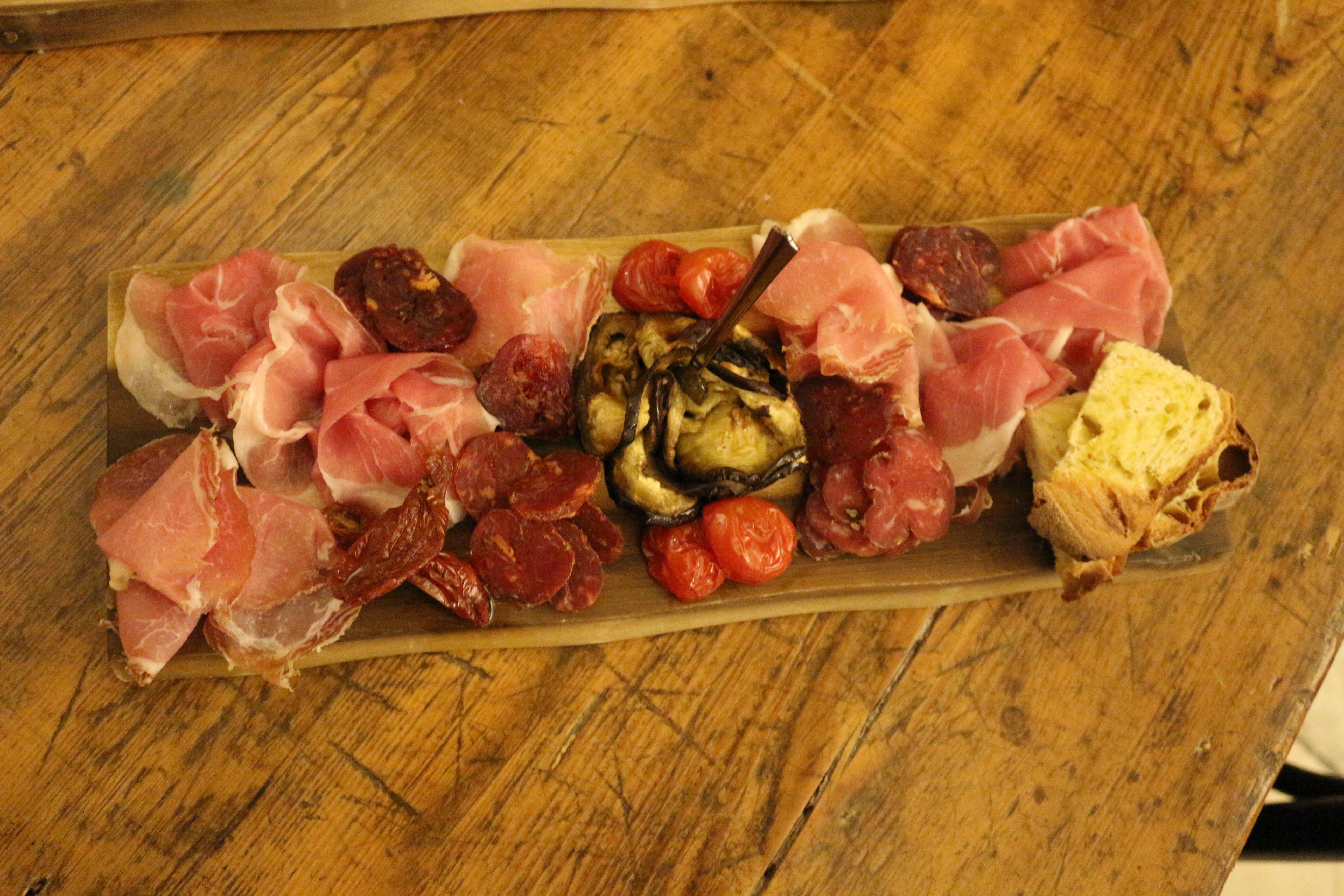 la-lopa-ristorante-pub-aperitivi-stuzzicheria-wine-bar-happy-hour-sassi-di-matera-basilicata44