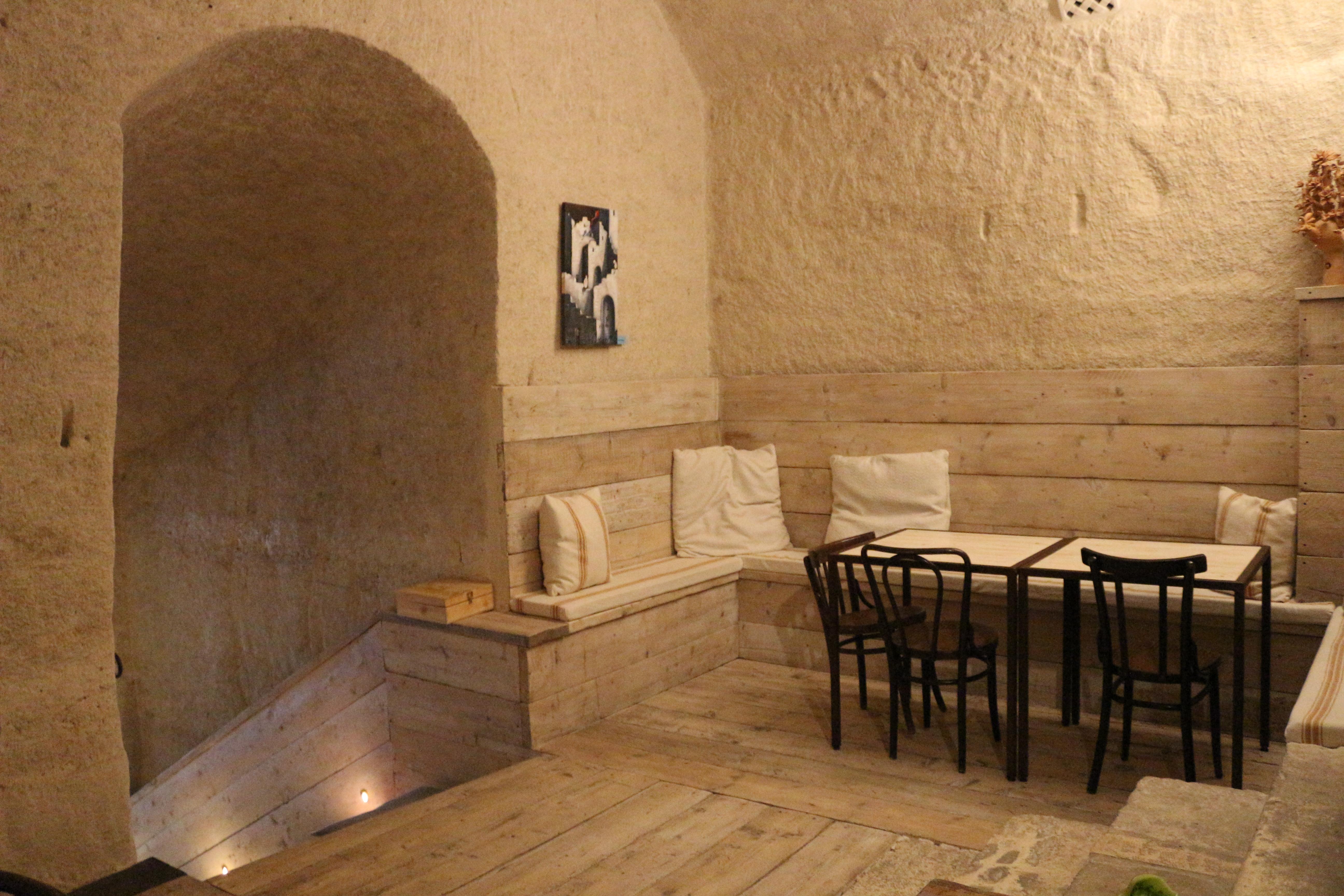 la-lopa-ristorante-pub-aperitivi-stuzzicheria-wine-bar-happy-hour-sassi-di-matera-basilicata652