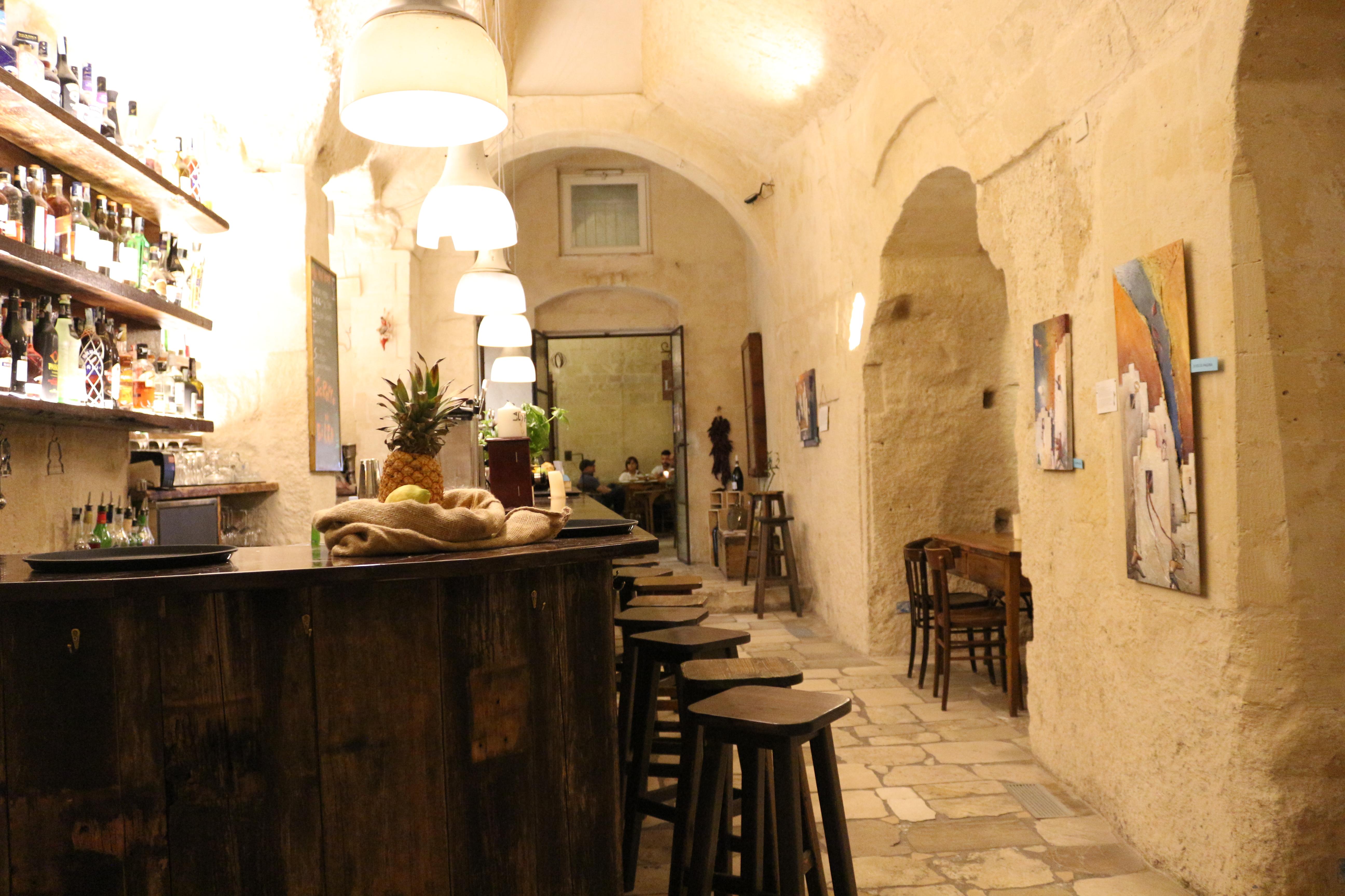 la-lopa-ristorante-pub-aperitivi-stuzzicheria-wine-bar-happy-hour-sassi-di-matera-basilicata789